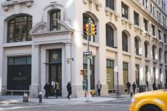 Con đường hàng hiệu lớn nhất New York bị đe dọa bởi thương mại điện tử