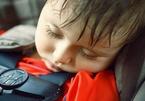 Những vụ để quên con trong xe rúng động dư luận