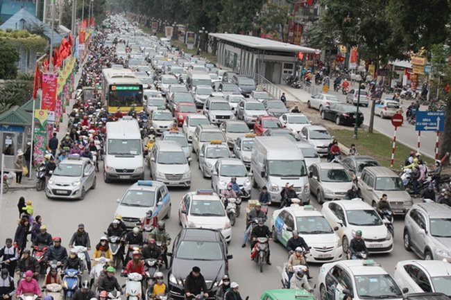 Hanoi plans toll collection on vehicles in 2030