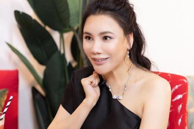 Hồ Quỳnh Hương: 'Tôi chảnh, rất lụy tình và tiêu tiền không cần đếm!'