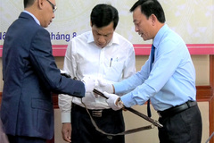 Ho Chi Minh Museum receives donated objects from Mong King family