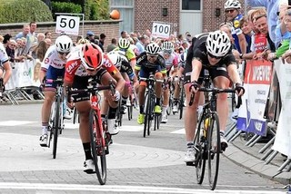 Vietnamese racer comes second at cycling tourney in Belgium