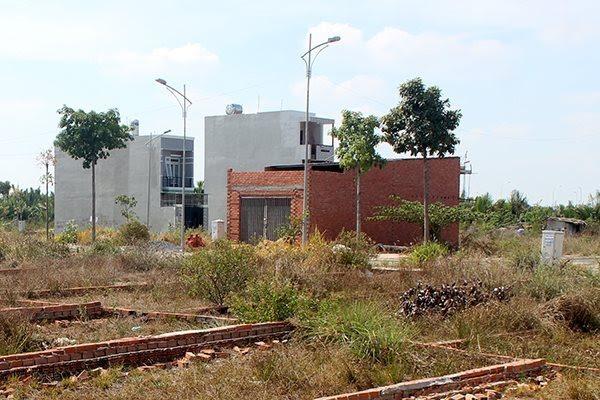 300 construction inspectors in HCM City disciplined