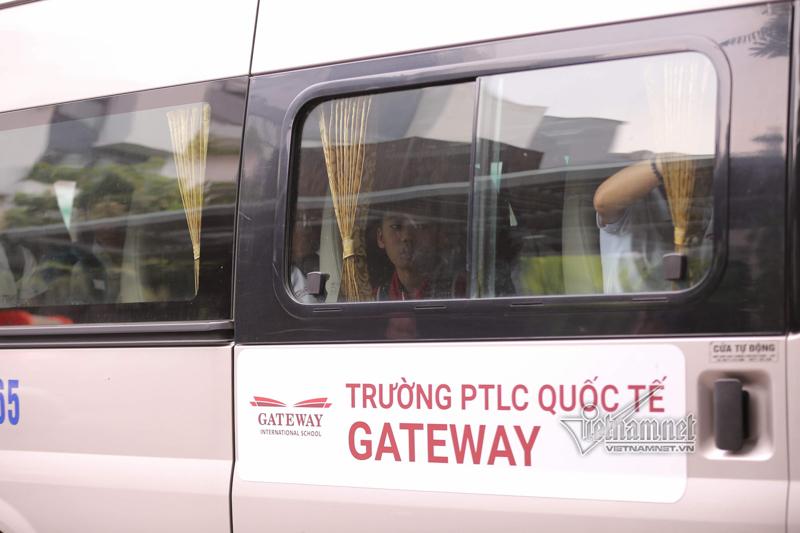 Những câu hỏi bỏ ngỏ vụ học sinh trường Gateway tử vong trên xe đưa đón
