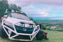Ngắm sedan Honda City độ off-road cực hầm hố
