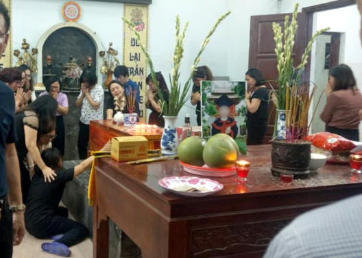 Lưu Thiên Hương gây tranh cãi khi trách bố mẹ bé 6 tuổi tử vong trên xe đưa đón