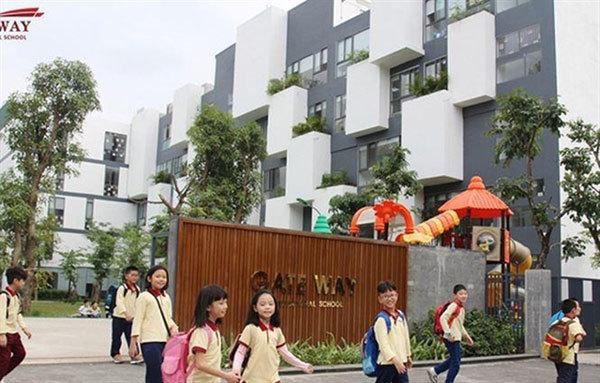 Hanoi first grader dies after being forgotten on school bus