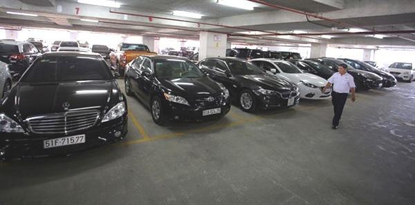 HCM City speeds up work on four underground parking lots
