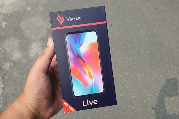 Mở hộp Vsmart Live, mẫu điện thoại mới ra mắt của Vingroup