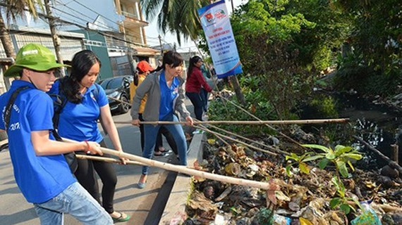 HCM City combating pollution in canals