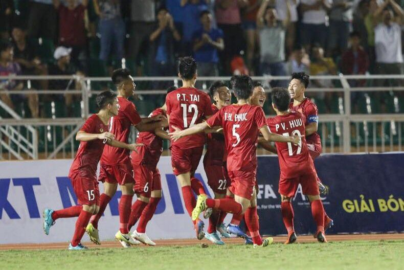 HLV Hoàng Anh Tuấn không cần U18 Việt Nam vô địch