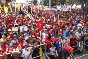 Biểu tình chống Mỹ dữ dội ở Venezuela