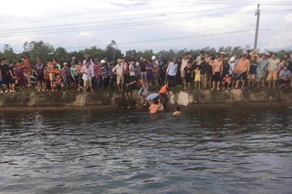 Ăn đám giỗ xong, thanh niên Quảng Nam nhảy xuống kênh tắm và tử vong