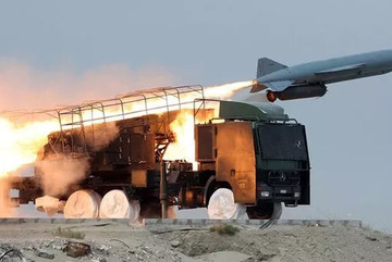 Iran khoe 3 tên lửa mới, cảnh báo sẵn sàng sử dụng