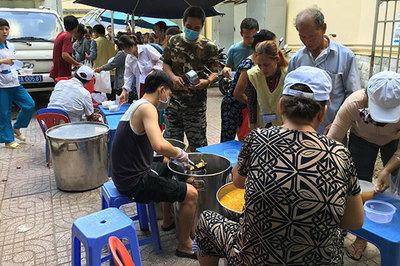 Bếp yêu thương: 4.500 suất ăn miễn phí mỗi ngày