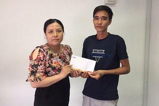Trao hơn 22 triệu đồng cho bé Nguyễn Thanh Tuyền