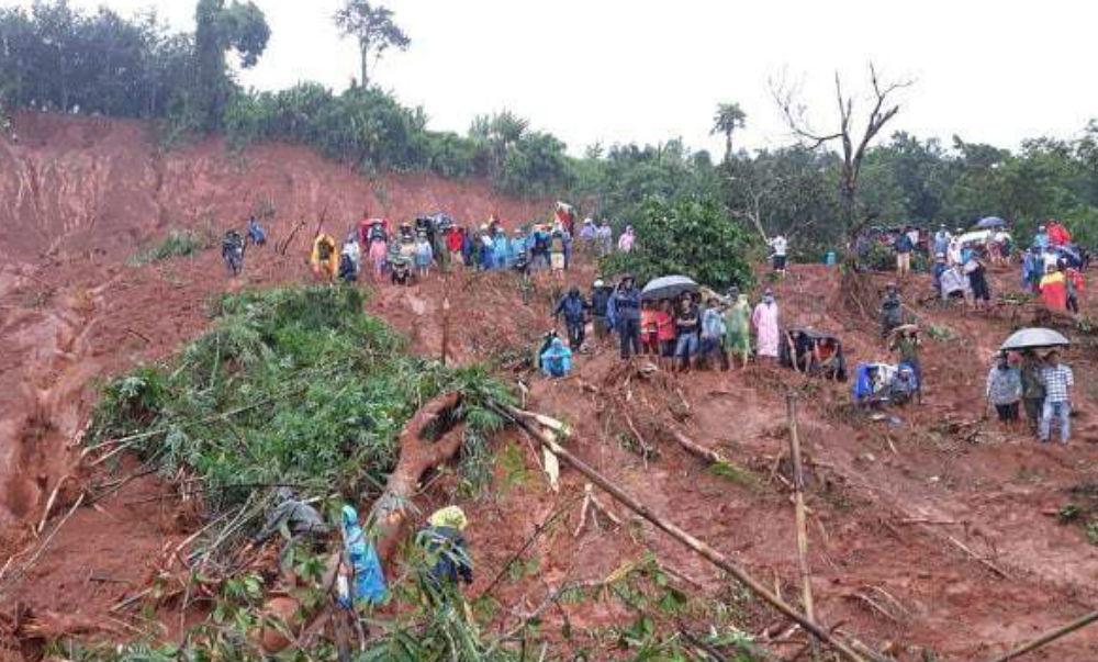 Lở đất ở Đắk Nông, tìm thấy cả gia đình bị vùi lấp, tử vong