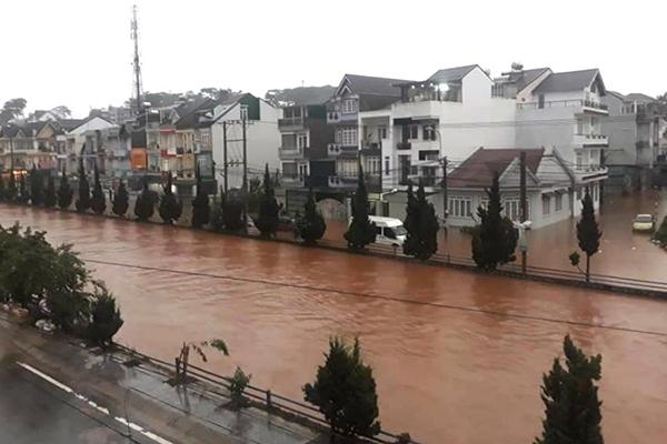 Thời tiết 3 ngày tới, mưa lớn ở Đà Lạt tiếp diễn ngày mai