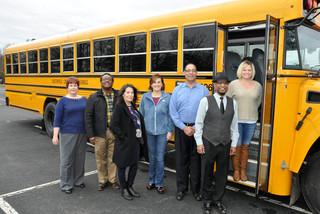 Tài xế xe buýt bỏ quên học sinh bị phạt tù