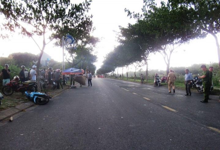 Người đàn ông lái xe phi thẳng trụ điện tử vong ở Đà Nẵng