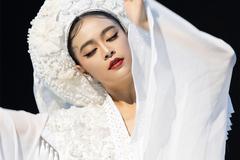 Hoàng Thùy Linh thừa nhận sống duy tâm