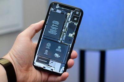 iPhone sẽ bị khóa tính năng nếu thay pin không chính hãng