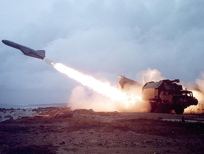 Uy lực tên lửa diệt hạm của Việt Nam nặng cả tấn, có thể hạ gục tàu sân bay