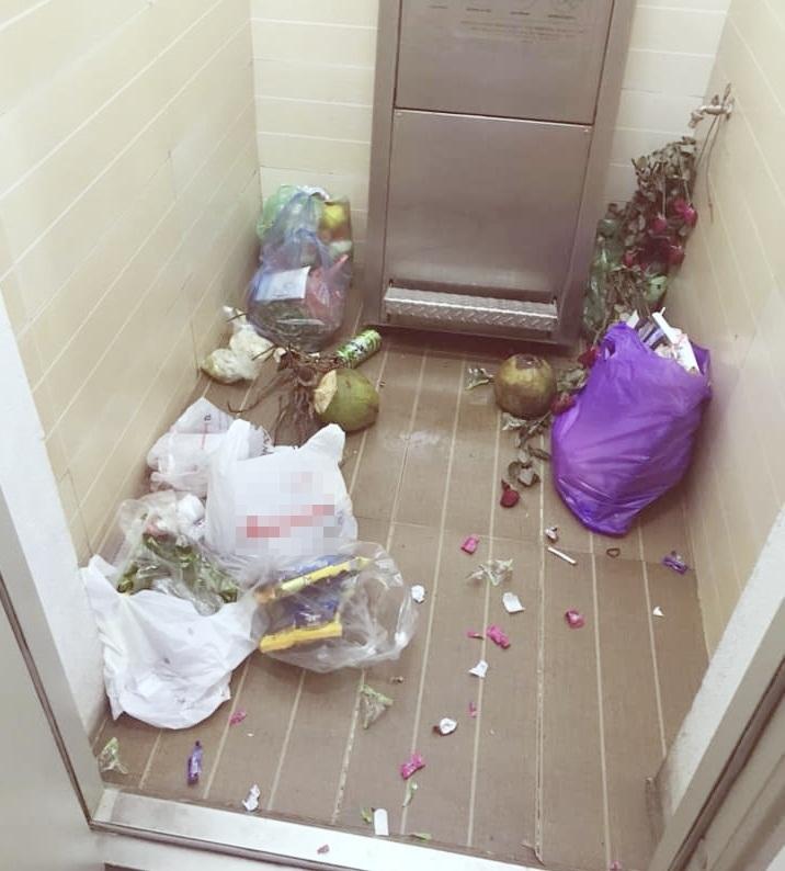 Nửa đêm hứng dột từ toilet, lĩnh đủ mùi lạ ở chung cư tiền tỷ