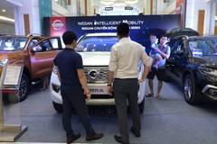 Đầu tháng cô hồn, dân bán ô tô phấn khởi vì khách vẫn mua nhiều