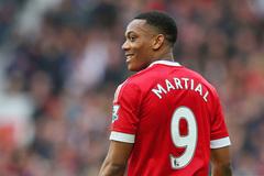 "MU trao áo số 9 ""sát thủ"" cho Martial"