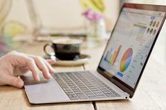 Khách Việt cay đắng chi 4 triệu thuê dịch vụ bảo hành Macbook