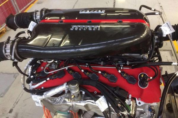 Động cơ siêu xe Ferrari được rao bán gần 20 tỷ đồng