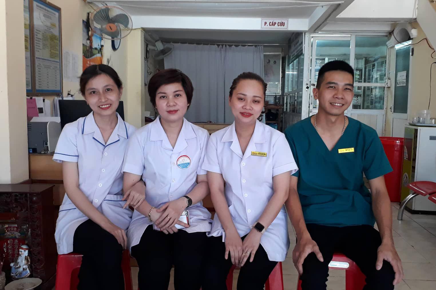 5 thanh niên Quảng Trị cứu sống mẹ con sản phụ ăn xin đẻ rơi trong công viên