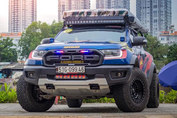 Dân chơi Sài Gòn độ lại bán tải Ford Raptor thêm ngầu