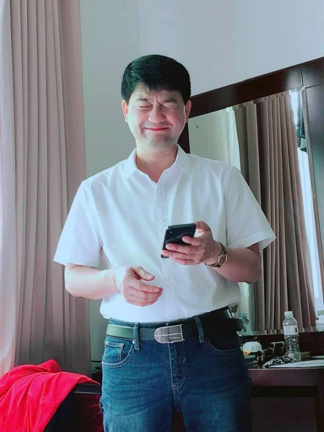 Minh Chuyên lần đầu khoe bố con trai mình sau tin đồn cặp đại gia đáng tuổi ông