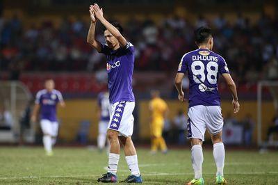 """Văn Quyết chói sáng, Hà Nội FC thắng trận """"5 sao"""""""