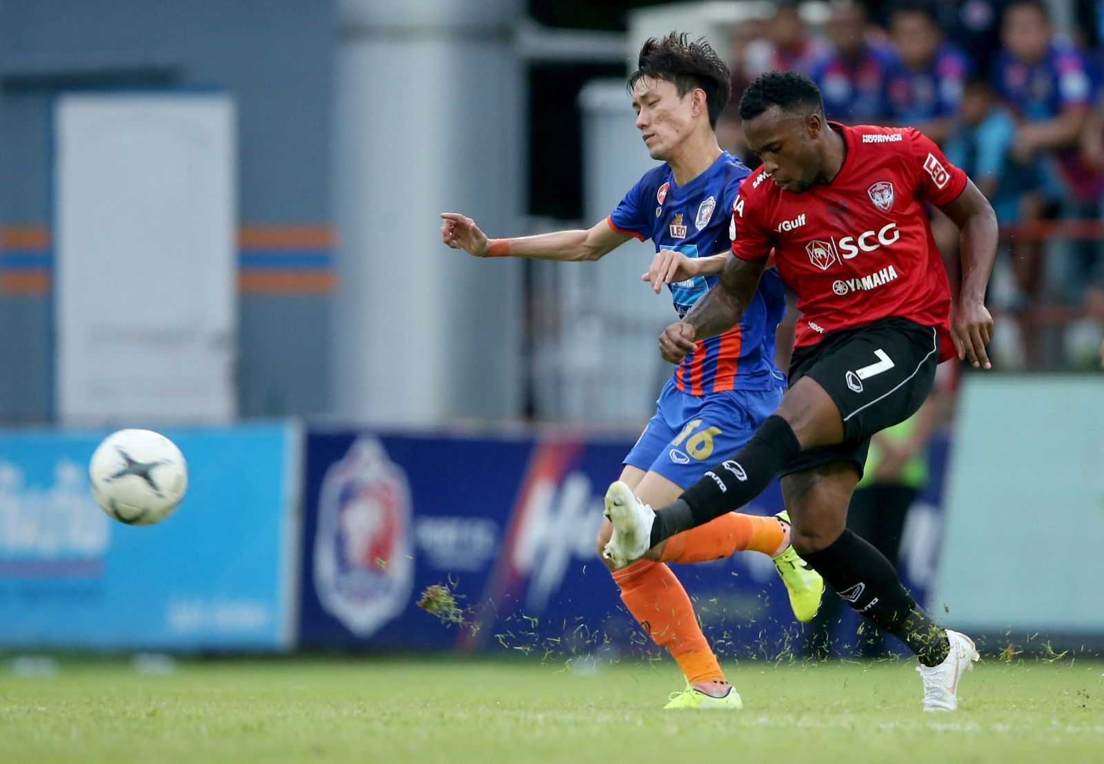 Muangthong United,Thai League,Đặng Văn Lâm