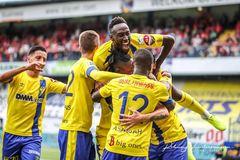 """Công Phượng """"mất tích"""", Sint Truidense thắng trận đầu tiên"""