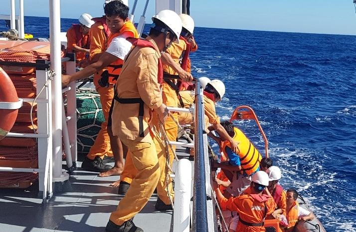 tàu chìm,chìm tàu,Hoàng Sa,ngư dân,tàu cá
