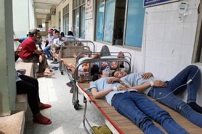 Hít phải chất diệt côn trùng, hàng chục công nhân nhập viện cấp cứu