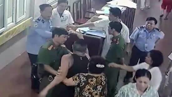 Ninh Bình,hành hung bác sĩ