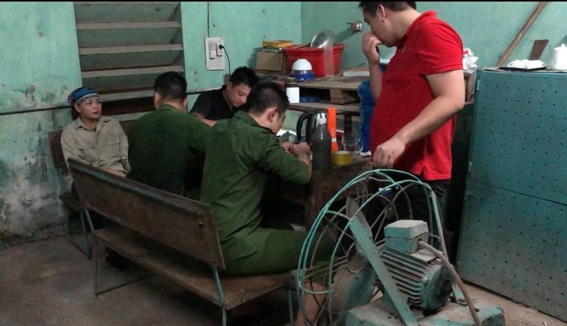 Đường ống bí mật, công ty ở Thái Nguyên tuồn chất thải ra sông Cầu