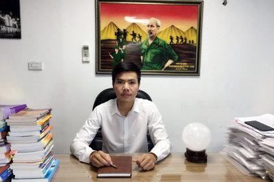 Đại gia khốn khổ sống cạnh 'biệt thự ma' ở Hà Nội