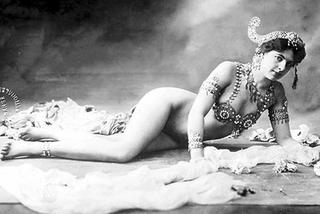 Nhan sắc quyến rũ của vũ nữ thoát y là điệp viên lừng danh Thế chiến I