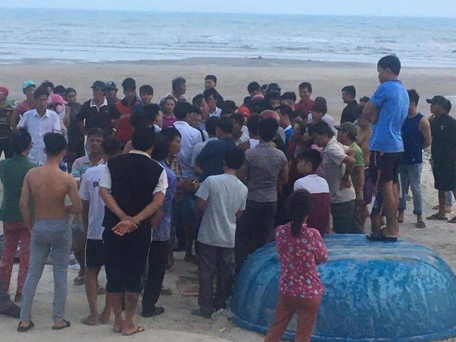 BinhThuan: Bodies of tourists swept away by waves found