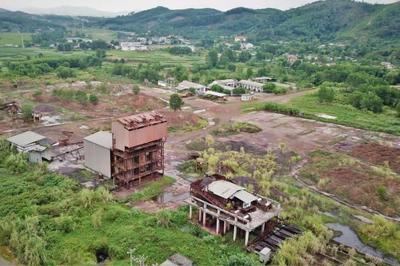 Nhà máy 150 tỉ hoang phế cùng 8 vạn tấn quặng sắt ế