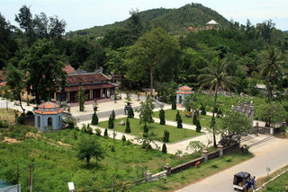 Thua Thien - Hue: Reconstruction of ancient pagoda under question