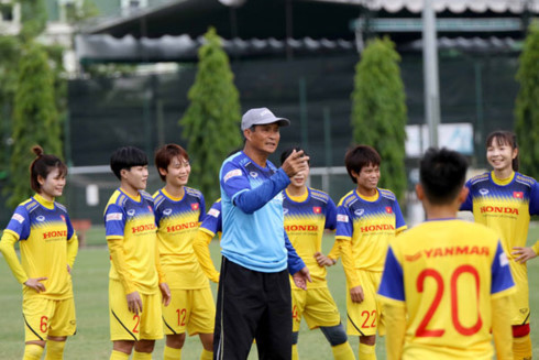 Vietnam's national women's football team,AFF Women's Championship 2019,vietnam football,Sports news,Vietnam sports,vietnamnet bridge,english news
