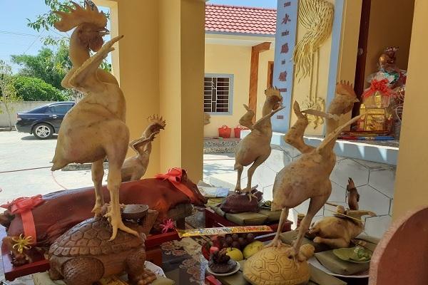 Độc đáo 'phi đội gà bay' trên mâm cúng rằm tháng 7 ở Hà Tĩnh