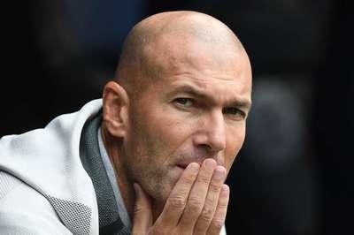Zidane trên bờ vực rời Real Madrid, vì ký hụt Pogba của MU